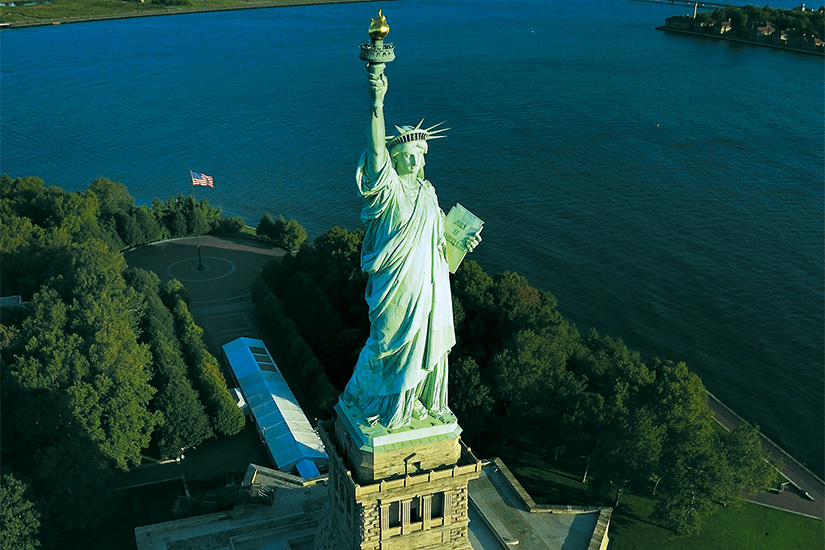 image 1 Vue aerienne de les statue liberte new york 28 as_74615281