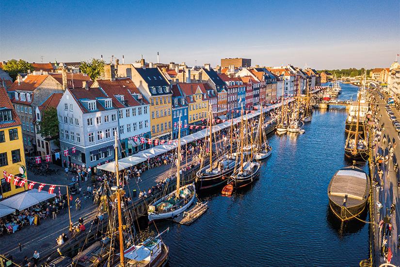 (image) image Centre ville historique incroyable Nyhavn New Harbour canal et quartier de divertissement a Copenhague Danemark 54 as_208359340