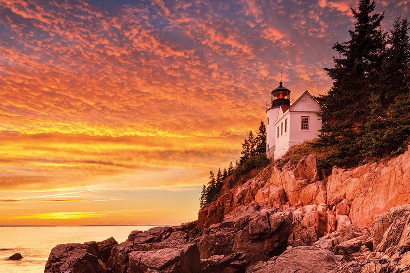 (image) image Phare de Bass Harbor Head Acadia NP Maine Etats Unis au coucher du soleil 95 it 471932509