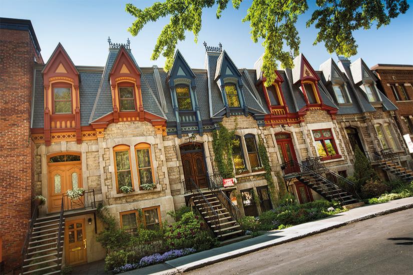 (image) image Rangee coloree de maisons a Montreal 18 it 187077964